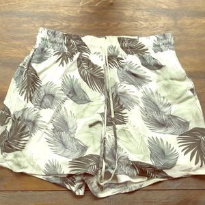 Palm patterned shorts